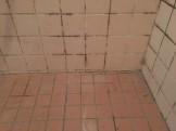 浴室のクリーニング前のタイル