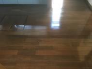 ワックスがけできれいになった床