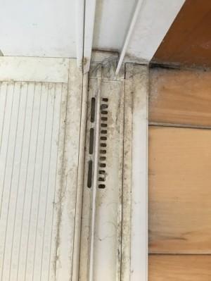 浴室の引き戸のレール
