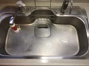 汚れたキッチンシンク